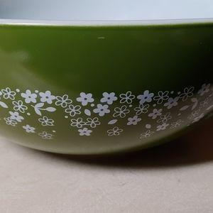 Vintage spring blossom pyrex bowl